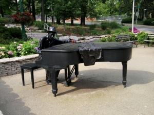 IU Hoagy Carmichael Landmark Sculpture-2