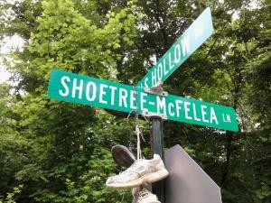 shoe tree-sign-1
